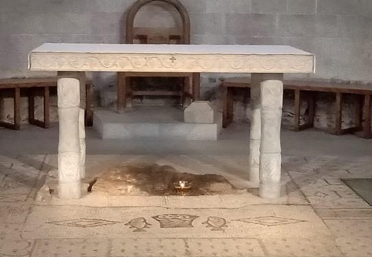 Artefak yang Bisa Ditemukan di Holyland