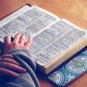Jenis Devosi dalam Agama Katolik Serta Tujuannya