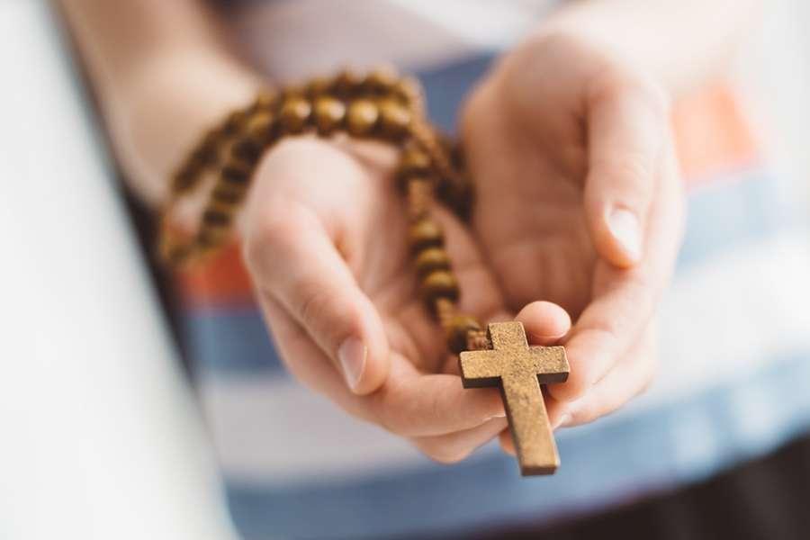 Kekuatan Doa Rosario yang Memiliki Manfaat Luar Biasa