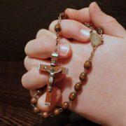 Mendalami Makna Doa Komuni Batin Katolik di Masa Pandemi